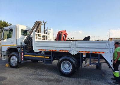 4x4 crane truck